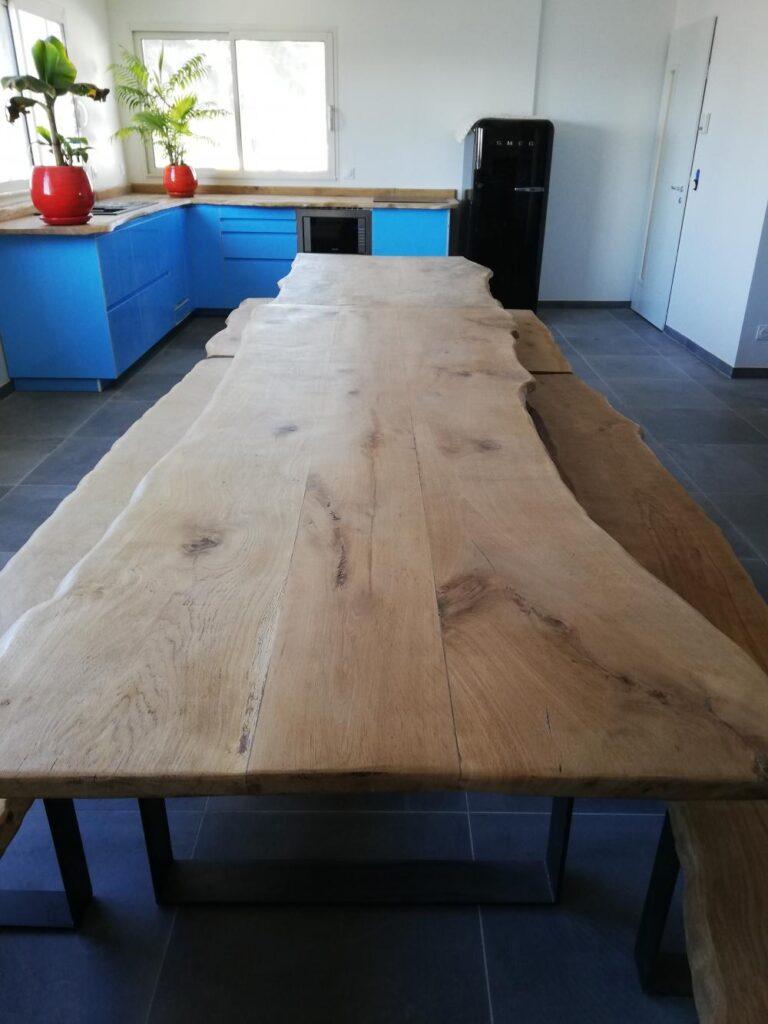Table en chêne pieds métal – 1800.00€