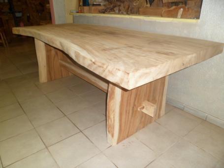 Table en suar – 2600.00€