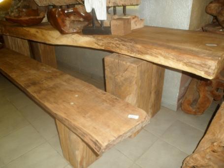 Table et banc vieux chêne – 2200.00€