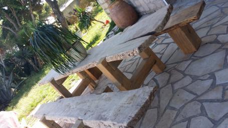 Table et banc bois massif – 2300.00€
