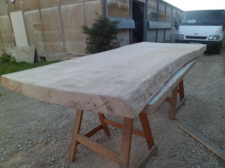Table sur mesure vieux bois – 1800.00€