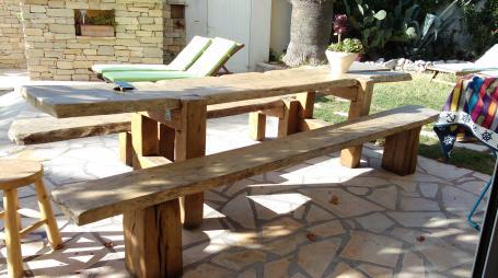 Ensemble table et bancs vieux chêne