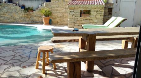 Ensemble table et bancs vieux chêne – 2200.00€