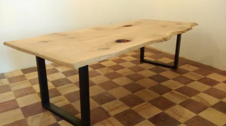 Table bois et métal – 1900.00€