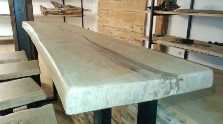 Plan bar en chêne – 620.00€