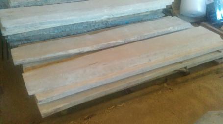 Plateau en bois épais massif brut – 500.00€