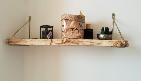 Etagère en chêne bords irréguliers – 50.00€