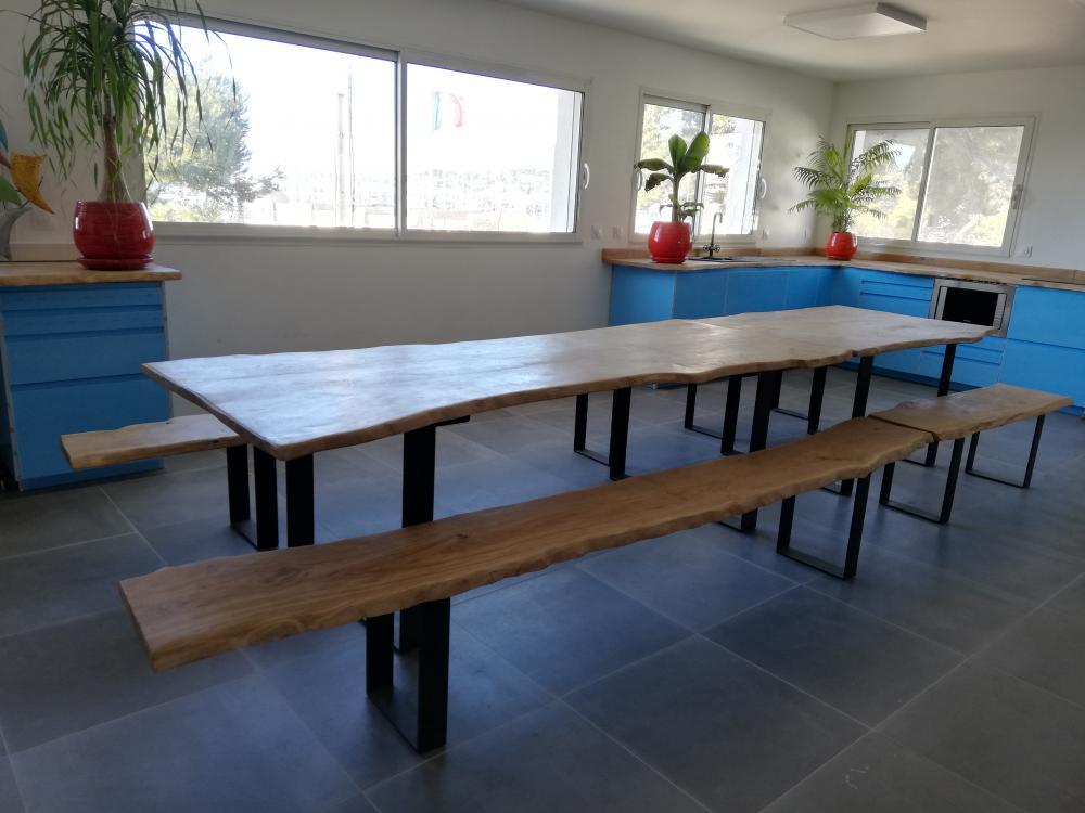 Ensemble table et bancs