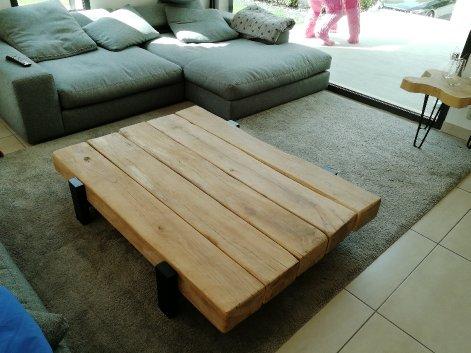 Table basse poutres de chêne – 1800.00€