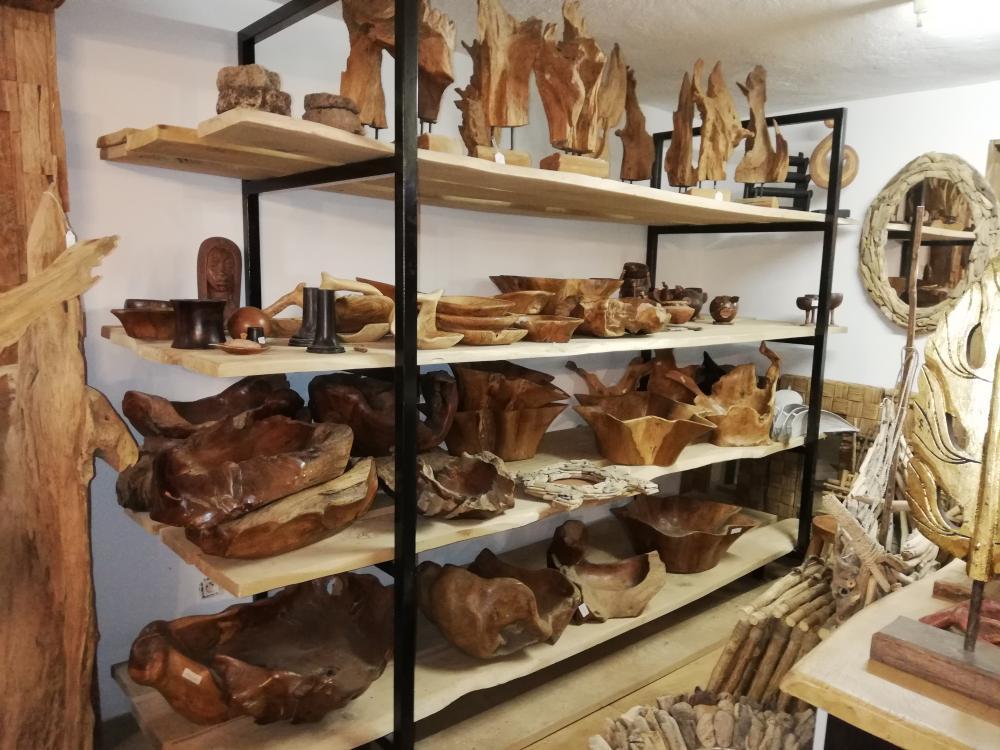 Etagère chêne et métal 4 niveaux – 1600.00€