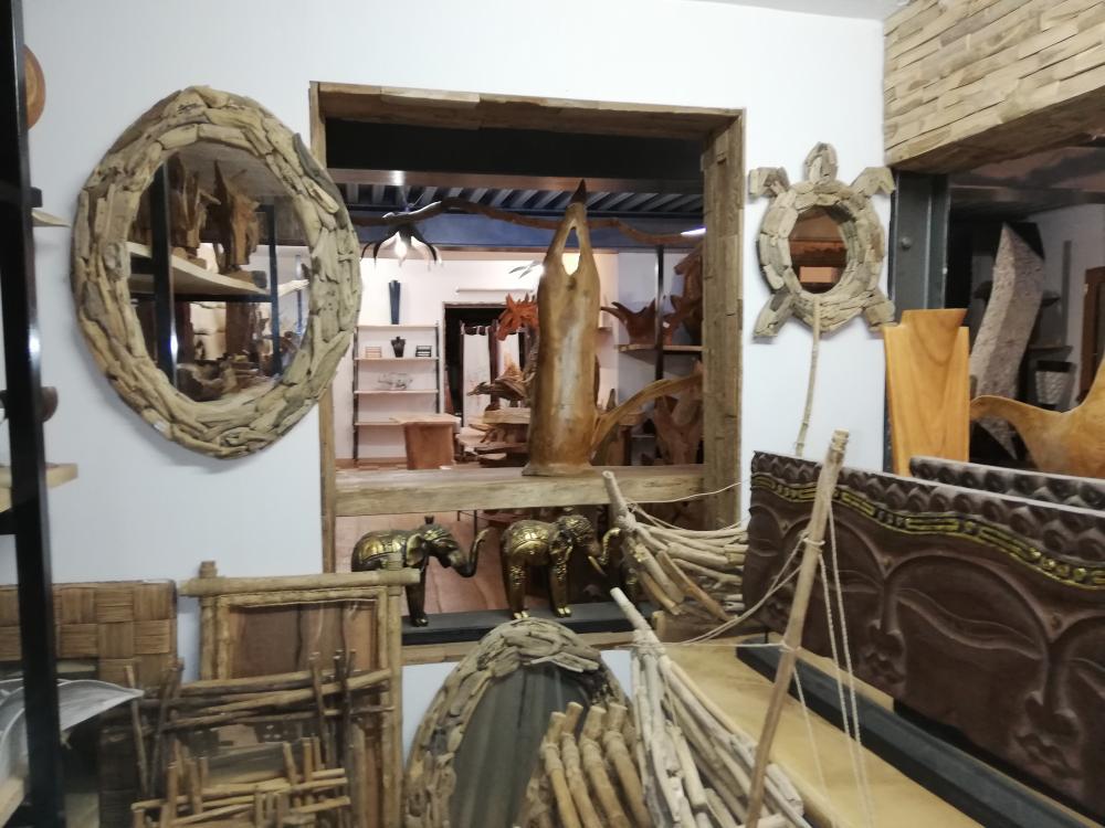 Miroir ovale en bois flottés – 130.00€