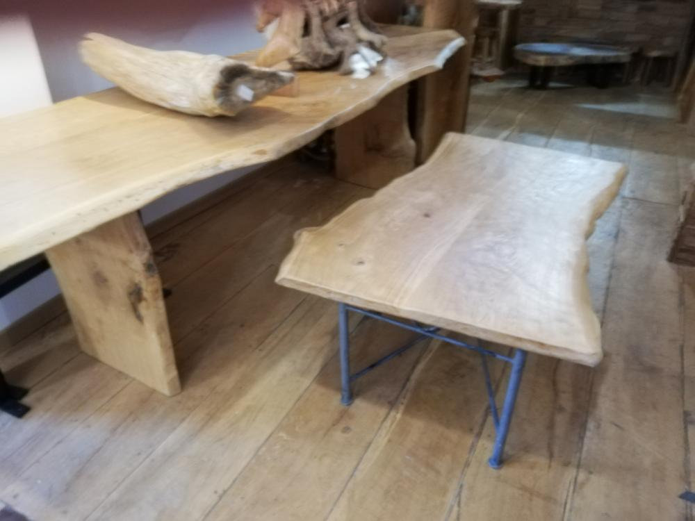 Table basse chêne et métal – 580.00€