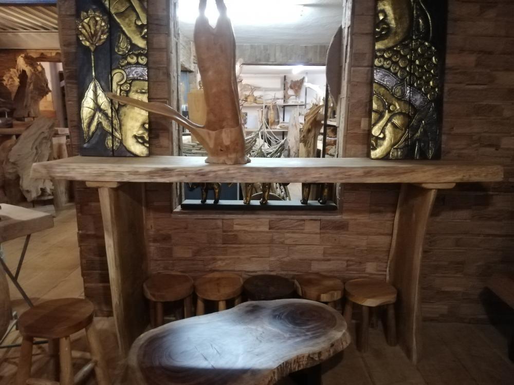 Comptoir mange debout vieux chêne sous écorce – 950.00€